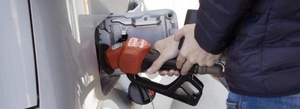 brandstof invloed op verkoop prijs auto